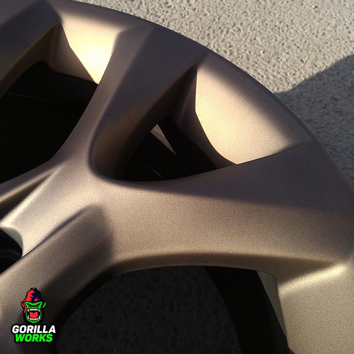 Покраска литого диска БМВ х5 в матовую темную бронзу